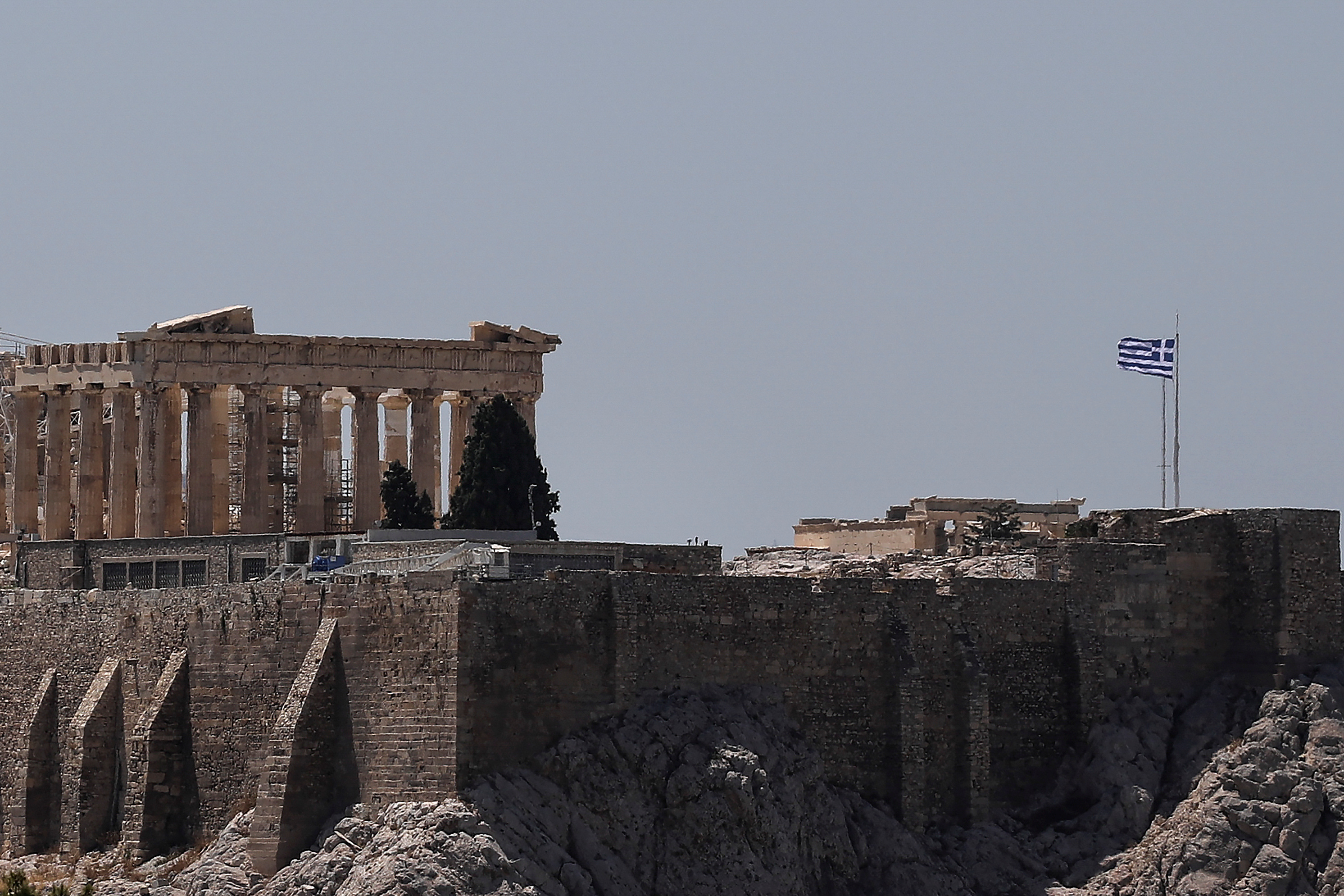 Greece briefly shuts the Acropolis as Athens sizzles | The Star Online