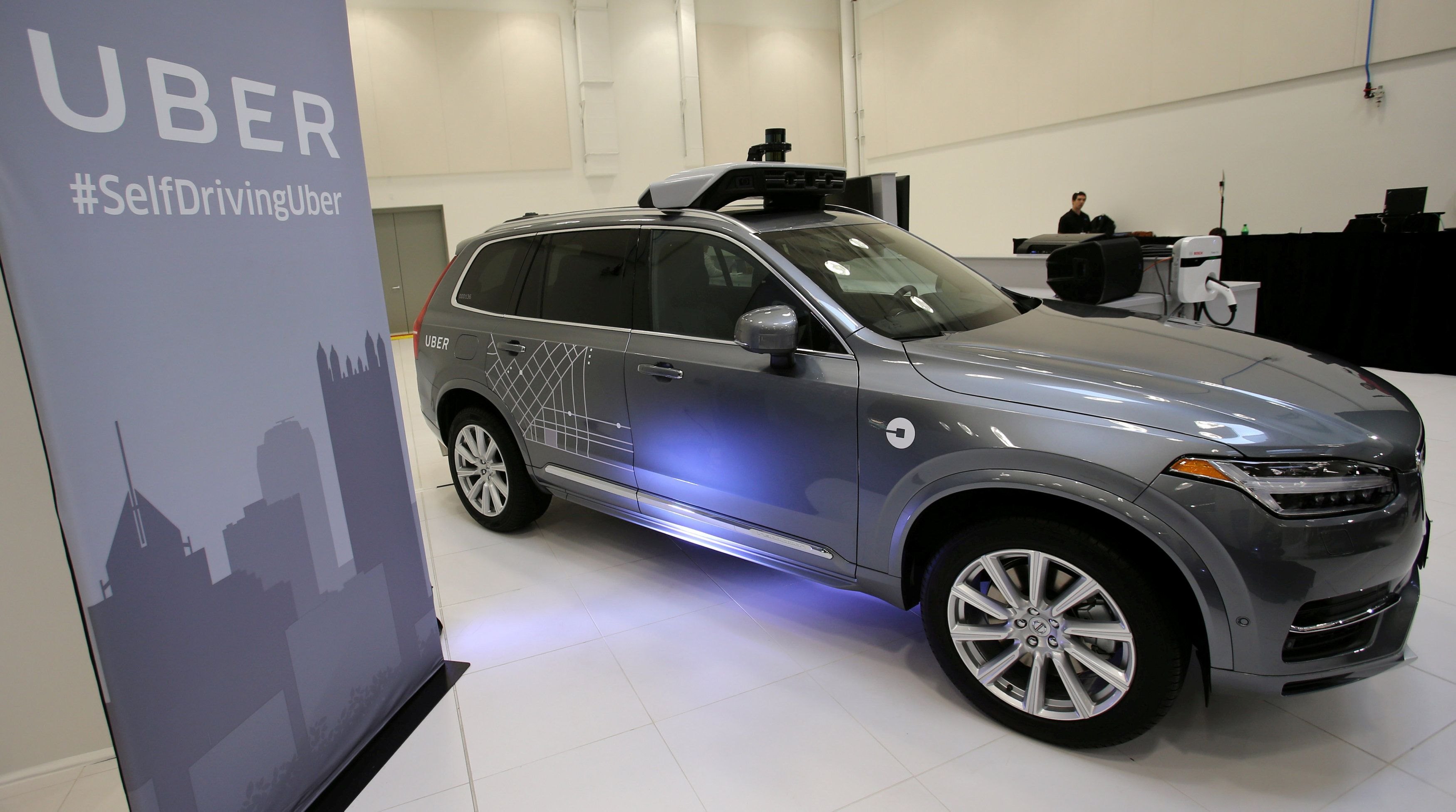 FILE PHOTO: Uber\'s Volvo XC90 self driving car is shown during a demonstration of self-driving automotive technology in Pittsburgh, Pennsylvania, U.S. September 13, 2016. REUTERS/Aaron Josefczyk/File Photo