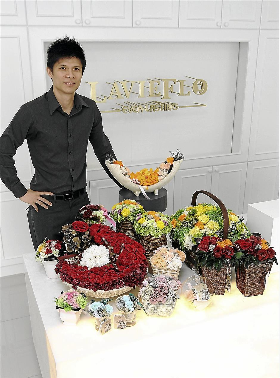 Interview with Wong Choong Hann (former Malaysia badminton player) about the launch of his new flower business LavieFlo