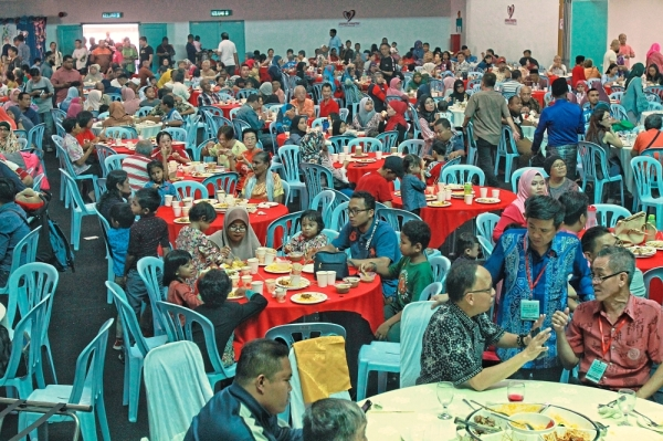 Seputeh  residents thronged the  open house held at the Sri Petaling Community Centre. u2014 Photos: SAM THAM/The Star