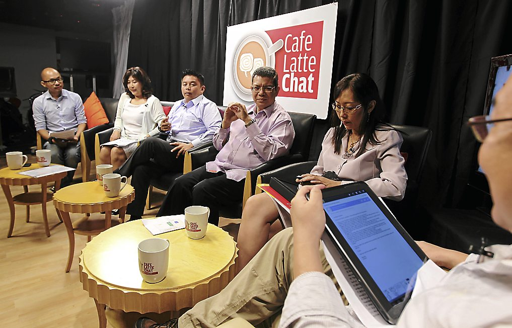 Cafe Latte dicussion -guest Saifuddin Abdullah,Teresa Kok and Darrell Leiking.