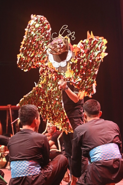 The ancient beast in The Legend of Bidasari. Props were created by the programme's visual arts students.