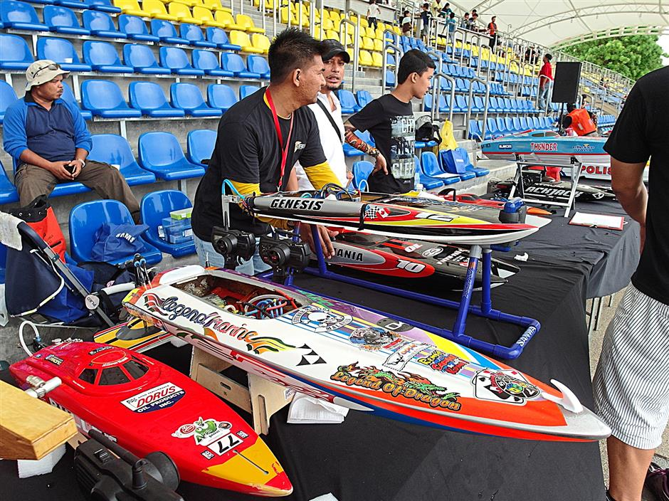 Colourful custom modified EP boats on display at the Putrajaya RC Event 2014.