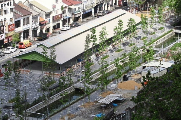 An aerial view of the old market hall in Jalan Dr Lim Chwee Leong, George Town, that is being refurbished for a different use under the Sia Boey Rejuvenation Project. u2014 Photos: LIM BENG TATT/The Star