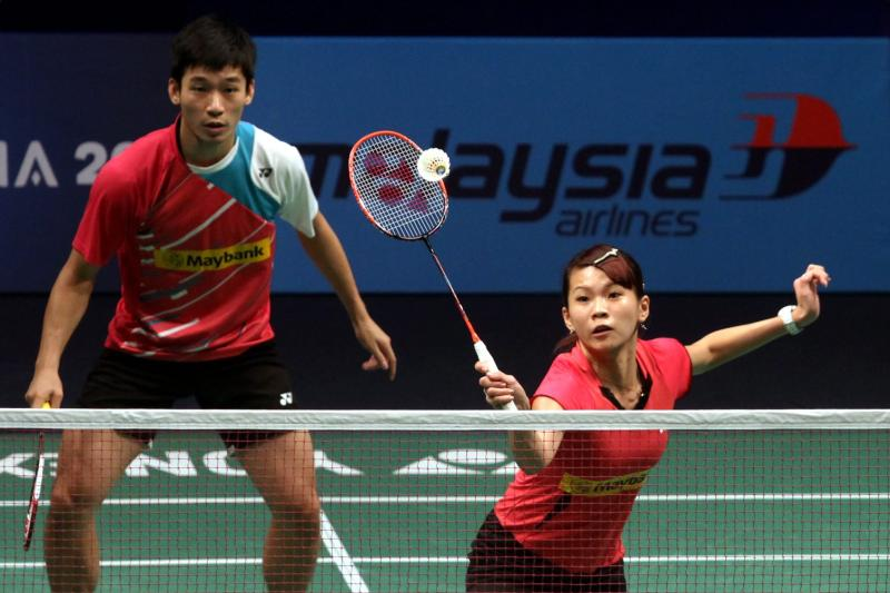 File picture of Goh Liu Ying (right) with her partner Chan Peng Soon at the BWF World Superseries Finals last year. Liu Ying will play in the Malaysian Open first before deciding whether to undergo knee surgery.