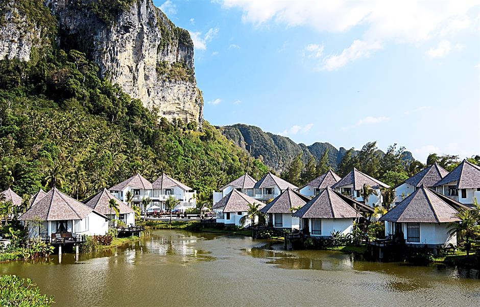 There is no shortage of good hotels to choose from in Krabi. Photo courtesy of Peace Laguna Hotel. Media familiarisation trip to Krabi, Thailand by Firefly. Firefly is launching a new flight route from Penang to Krabi on Sept 16, 2014.