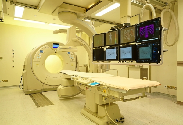 Facilities: Diagnostic imaging in 3D and 4D is available at SJMC.