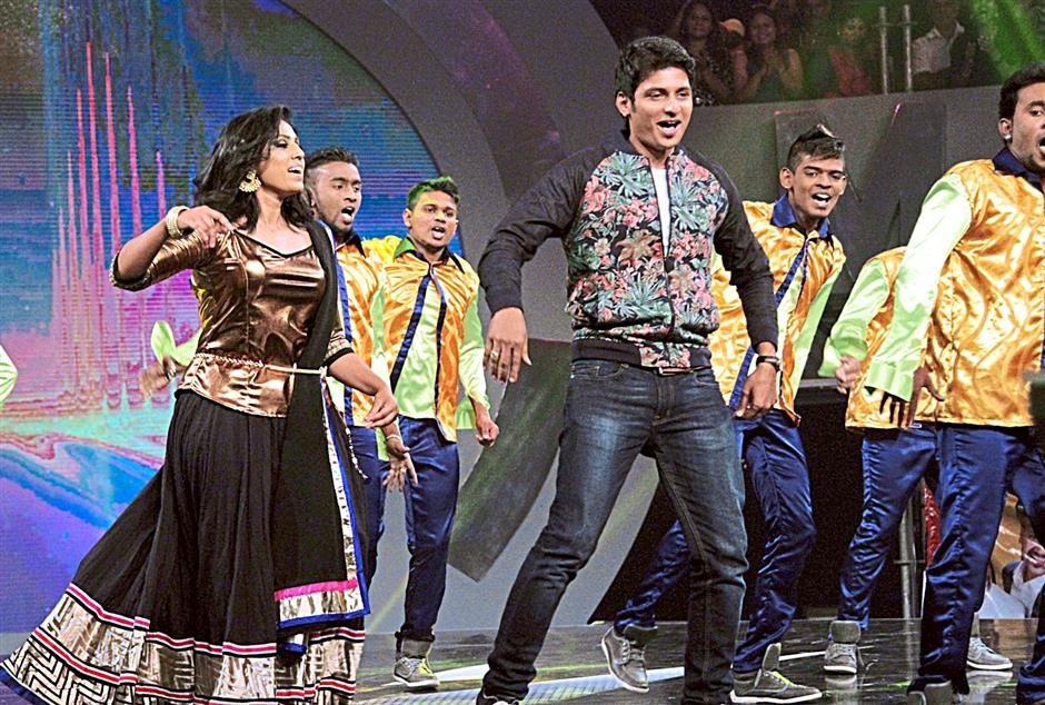 Jiiva (centre), one of the judges, joined  the dancers for performance