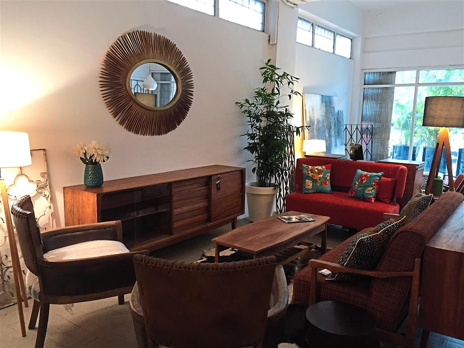 4. RECRO at Taman Tun Dr.Ismail offers timeless retro furniture from tables and chairs and also provide services such as restoration, reupholstery, and redesigning furniture.