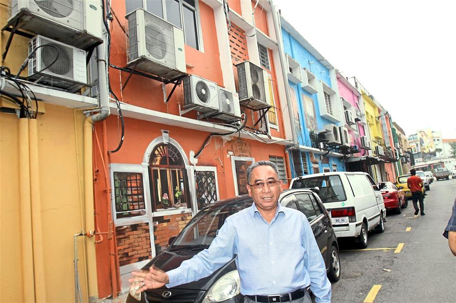 More improvement: Mohd Azizi wants to upgrade Petaling Jaya's infrastructure for the comfort of its residents. — Photo: ROHAIZAT MD DARUS/The Star