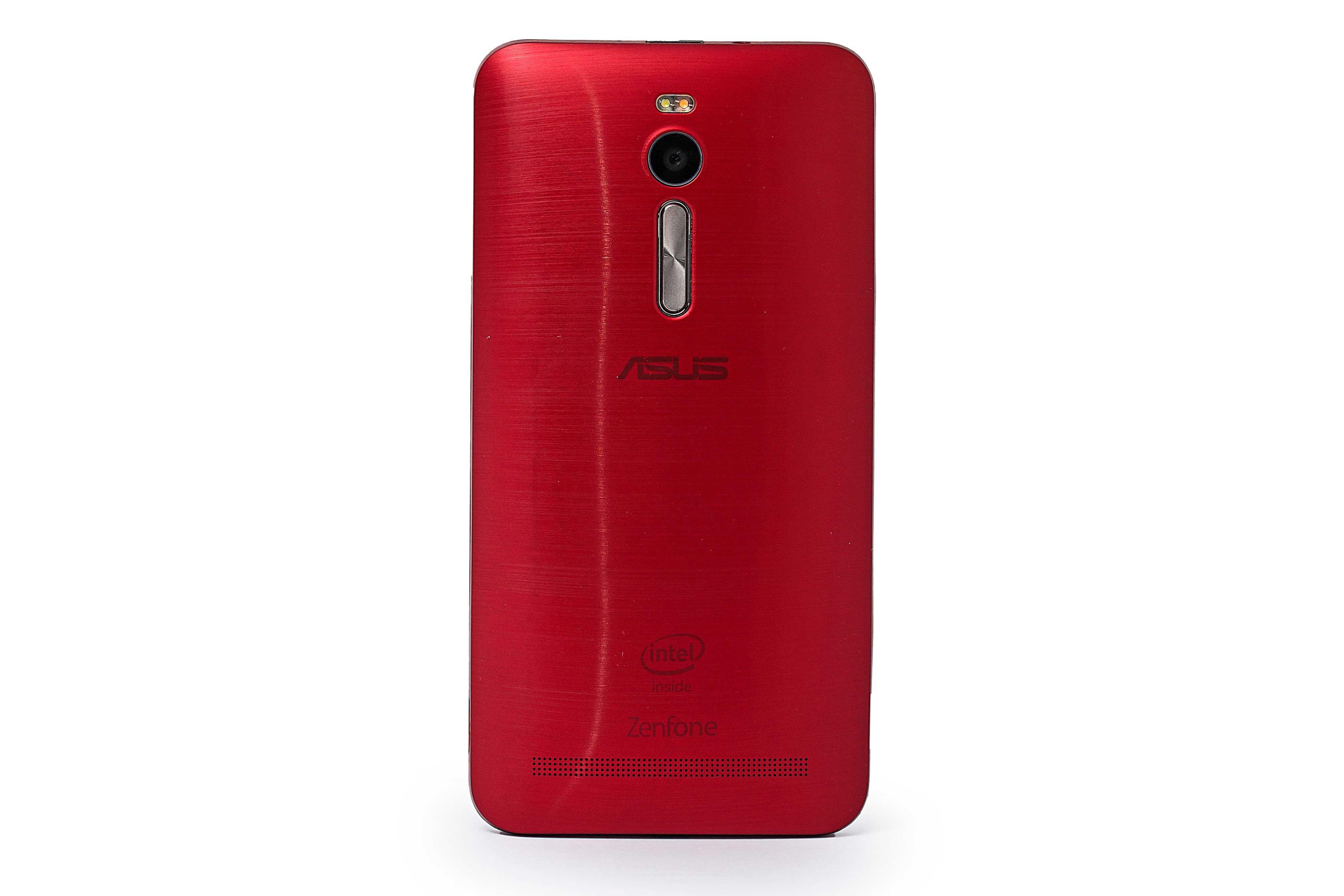 The ergonomic design resulted in a curved rear cover which offers better grip and improved insulation against heat buildup.