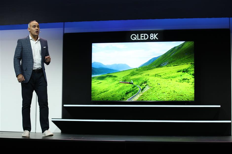 LAS VEGAS, NEVADA - JANUARY 07: Samsung Electronics America Senior Vice President Dave Das announces the new Samsung QLED 8K television during a Samsung press event for CES 2019 at the Mandalay Bay Convention Center on January 7, 2019 in Las Vegas, Nevada. CES, the world's largest annual consumer technology trade show, runs from January 8-11 and features about 4,500 exhibitors showing off their latest products and services to more than 180,000 attendees.   Justin Sullivan/Getty Images/AFP == FOR NEWSPAPERS, INTERNET, TELCOS & TELEVISION USE ONLY ==