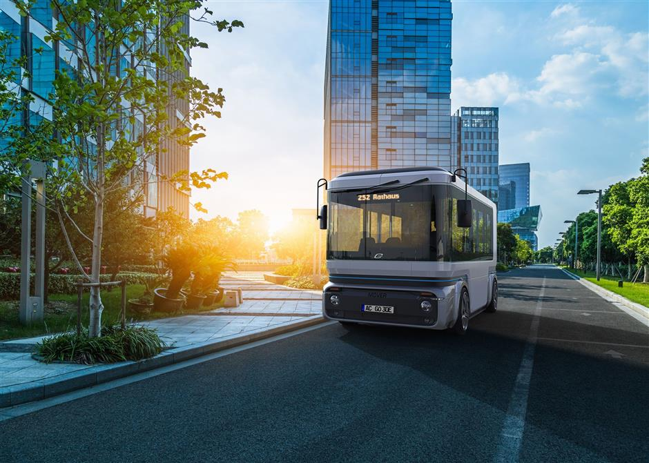 HANDOUT - The autonomous minivan 'Mover' by ZF and e.Go Mobile will run electrically for up to ten hours. Photo: e.GO Moove GmbH/dpa-tmn - only for use in accordance with contractual agreement