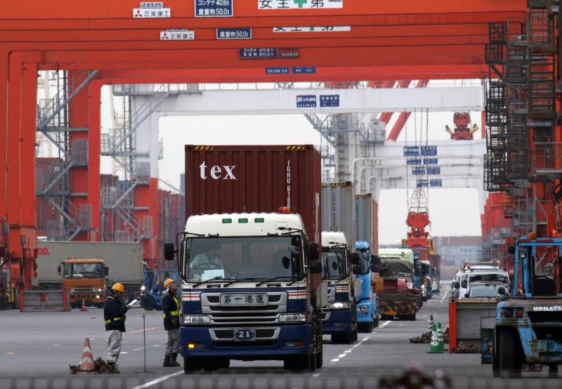 The 4.9% rise in Japan\'s exports in November 2014 was much weaker than a 7% expected by economists in a Reuters poll, and slowing from a 9.6% gain in October - AFP Photo.