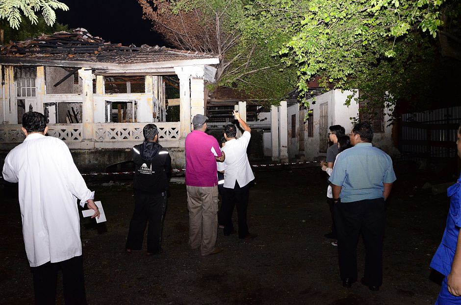 40 wannabe ghost hunters have slumber party at Penang Museum | The