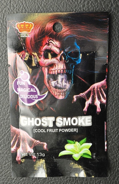 Filepic of the vape-like Ghost Smoke candy.