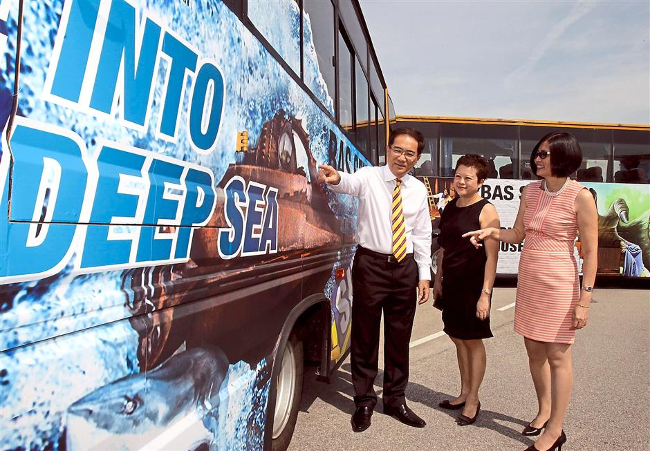 New source of income: (From left) Amali, Lim, Syed Hamid, Wong, SPAD chief executive officer Mohd Nur Ismal Mohamed Kamal and Eu at the launch of the School Buzz project. (Below, from left) Star Publications (M) Bhd group chief operating officer Calvin Kan, i-Berhad director Monica Ong and Star Publications chief revenue officer Lim Bee Leng.
