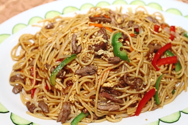 Fried Spaghetti with Duck Fillet cooked in Asian herbs and spices.