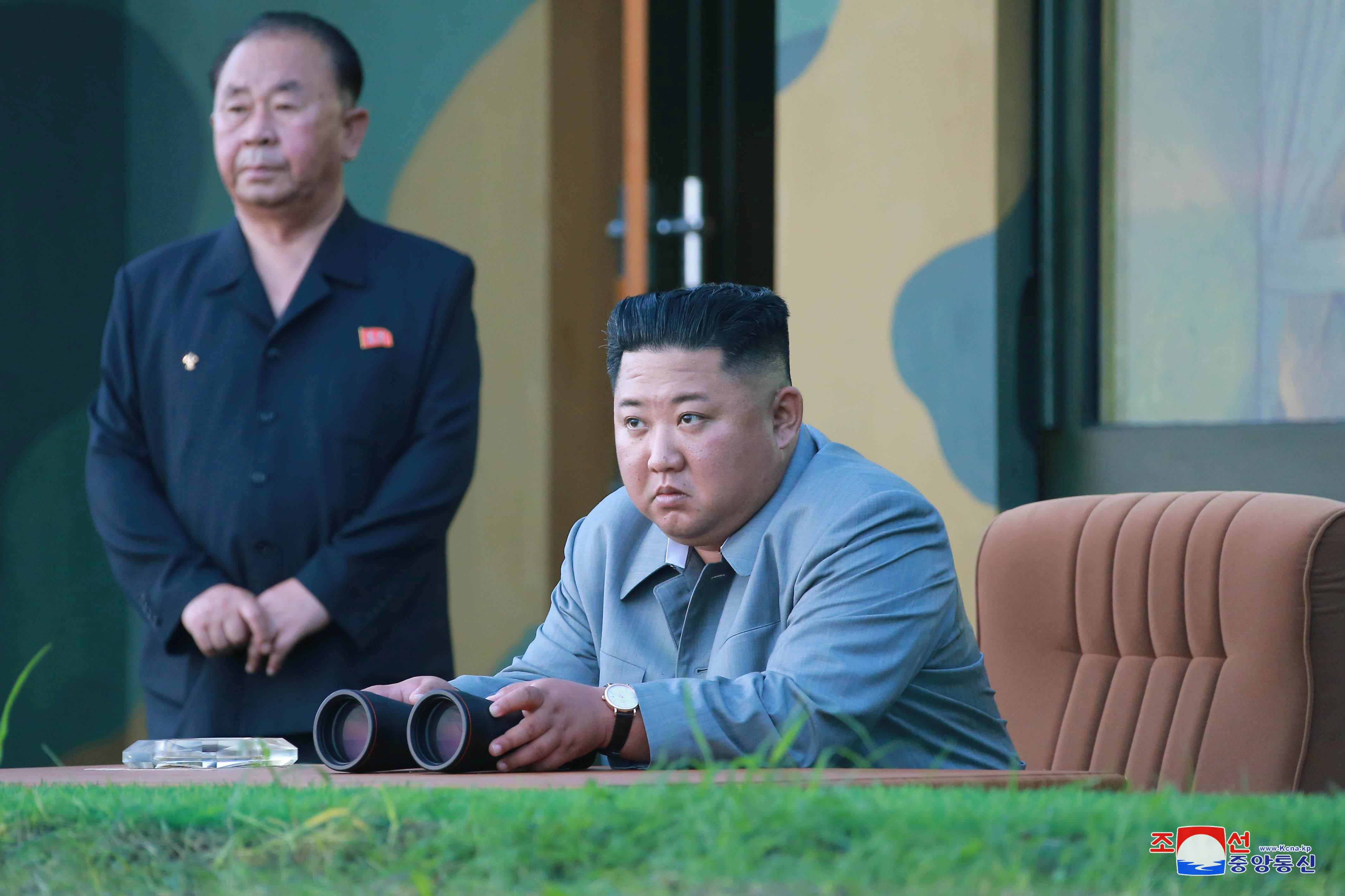 Flaws seen in Trump's calm response to North Korean missile
