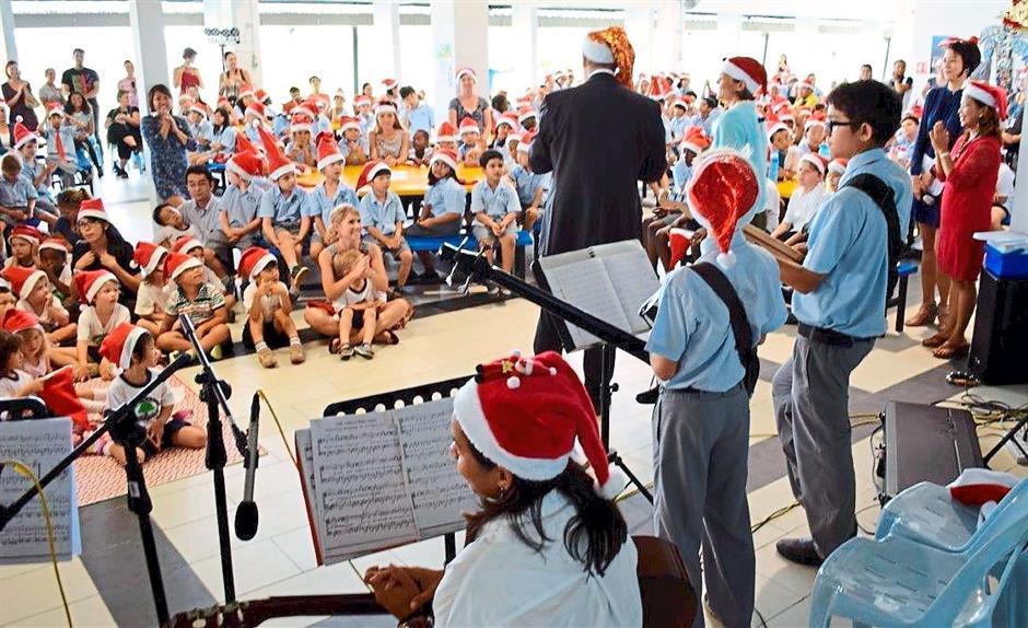 big crowd at the Tenby International School Miri Christmas concert last week. pic by Tenby