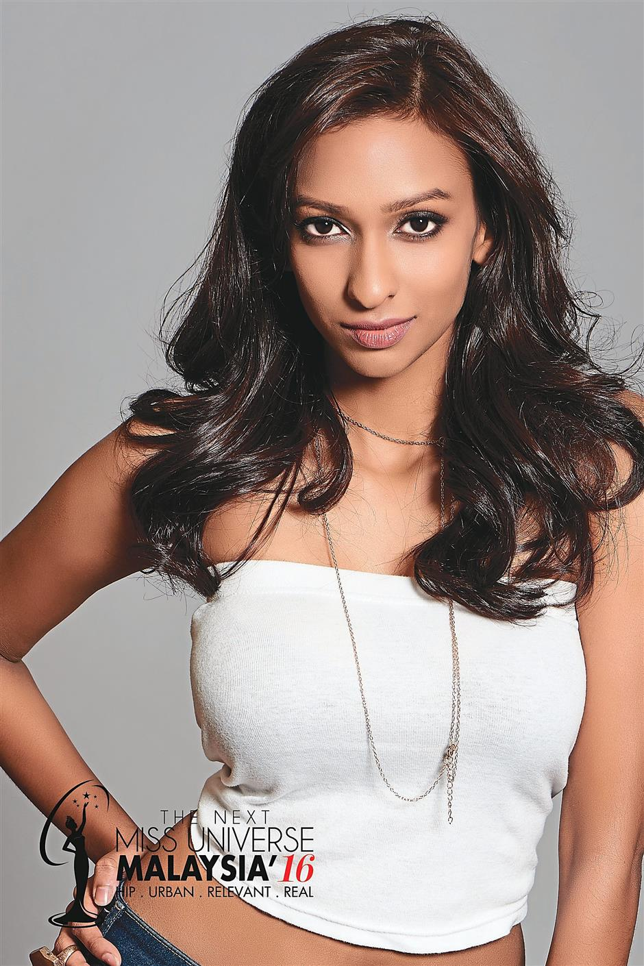 Dhivya is inspired by prestigious beauty queens such as Sushmita Sen.