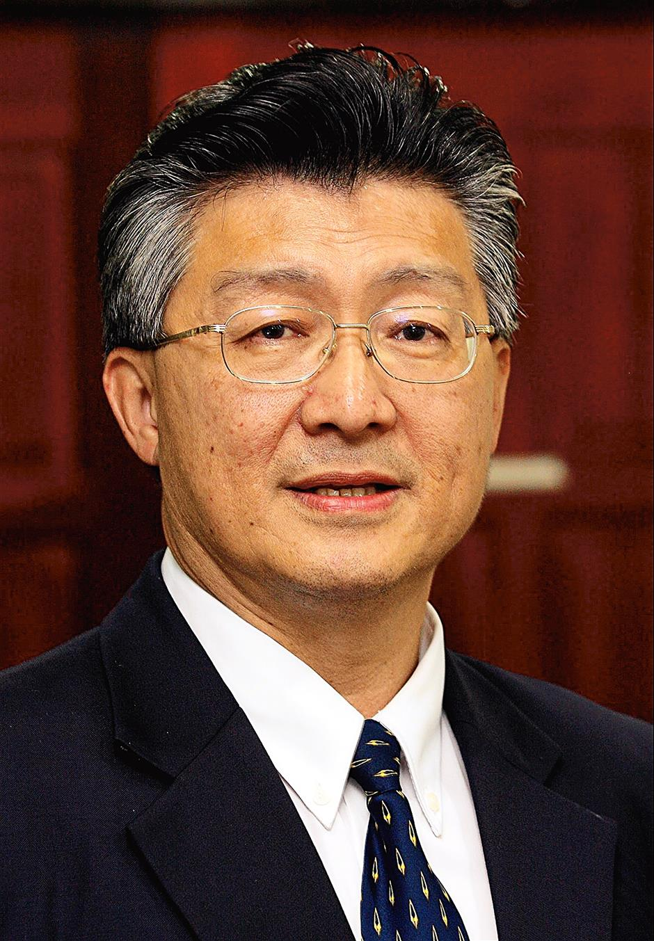 Chang Kim Loong is the honorary secretary-general of the National House Buyers Association.He is also a Councillor at MPSJ. He also has a column at Star Publications.