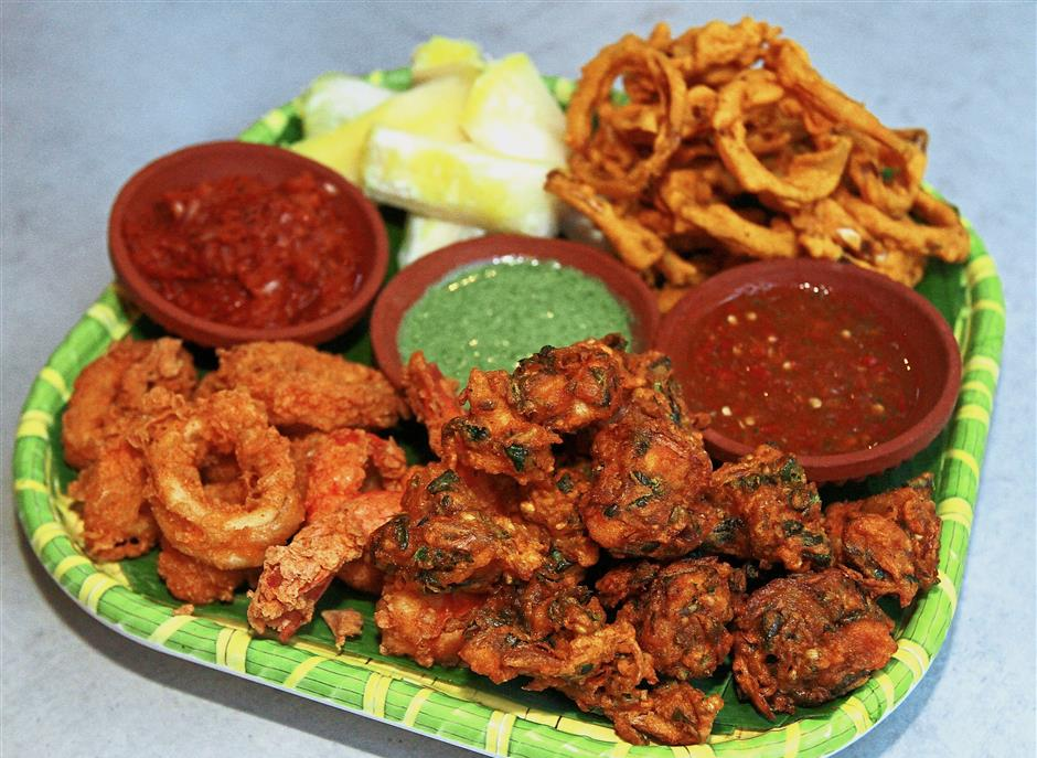The Raam Ravan Platter makes a tasty sharing snack.