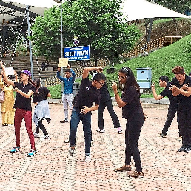Live free without violence: That's the message brought by Universiti Malaya dance and gender studies students in their flash mob, which kicked off the Oh My Gender festival held in conjunction with the recent International Women's Day.