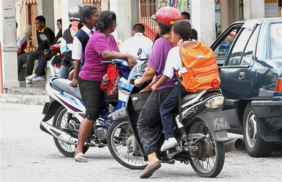Some parents believe that children younger than 16 must only be allowed to ride a motorcycle with an adult, and not on their own.