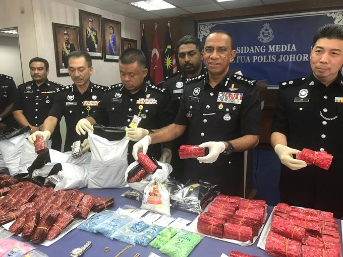 Cops bust drug gang, confiscate RM3 2mil's worth of drugs | The Star