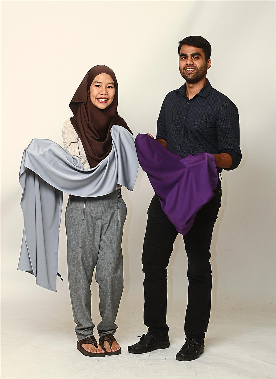 Heart and Shawl co-founders Muhammad Kaiser Abdul Karim, 24 and Alyaa Shaz Wina Mohamed, 27 believe that good quality shawls should be more affordable.