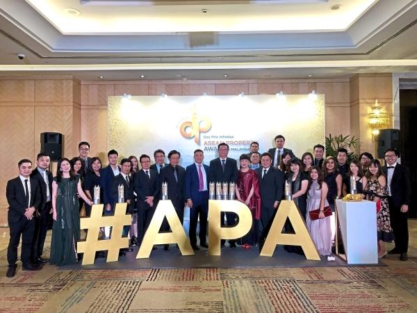 Team Mah Sing celebrating a big win at the APA 2019 at One World Hotel Petaling Jaya.