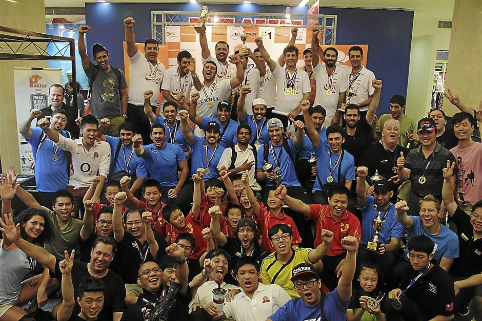 Sport spirit: A group photo of all the participants during the last day of the event.