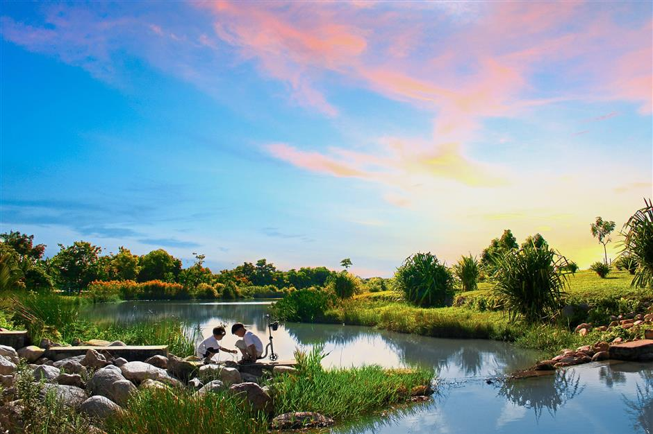 The award-winning Kota Kemuning Wetland Park creates a habitat for a variety of bird species and an ideal environment for local flora and fauna.
