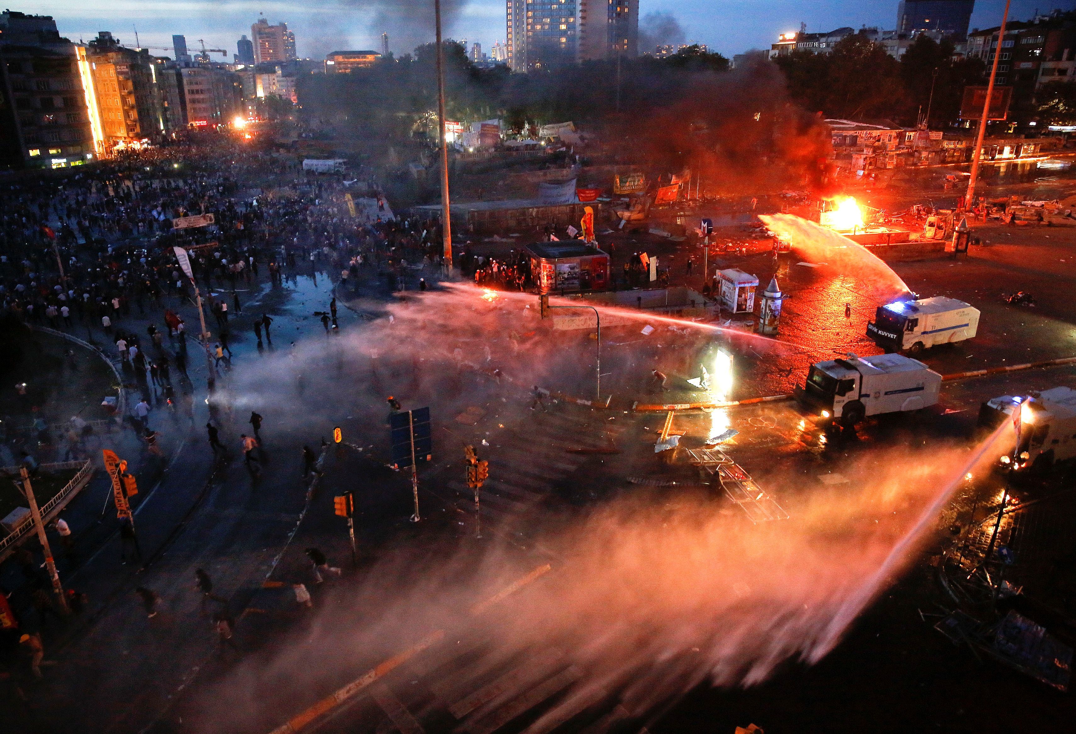 FILE PHOTO: Turkish police use water cannons to disperse protesters at Taksim square in Istanbul, Turkey, June 11, 2013. REUTERS/Yannis Behrakis/
