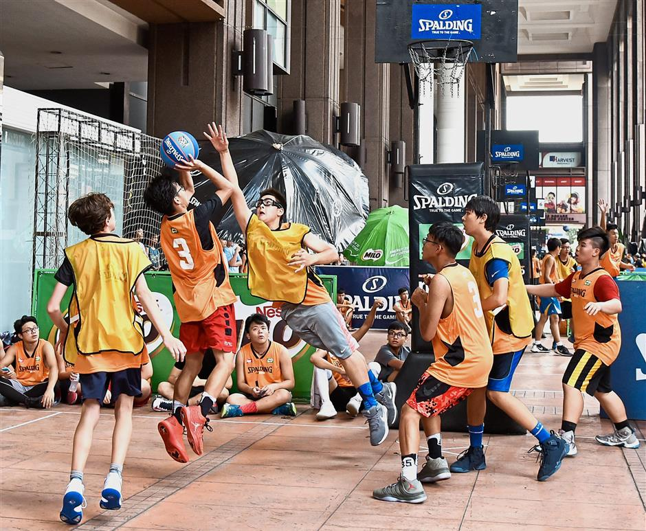 The teams at the Spalding 3x3 Basketball Challenge showed commitment, tenacity and skill throughout the event.