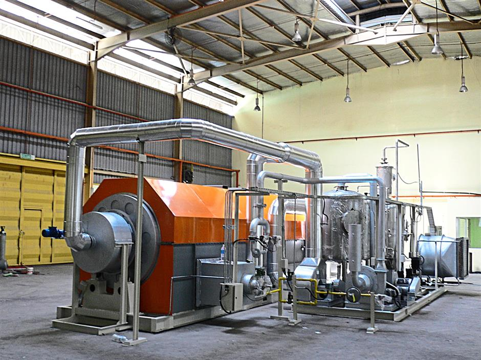 A RM1.5mil industrial waste treatment plant which treats biological waste sludge from a rubber glove plant in Perlis. The plant, which was commissioned in 2007 with has a capacity of treating 10 tonnes of sludge per day.