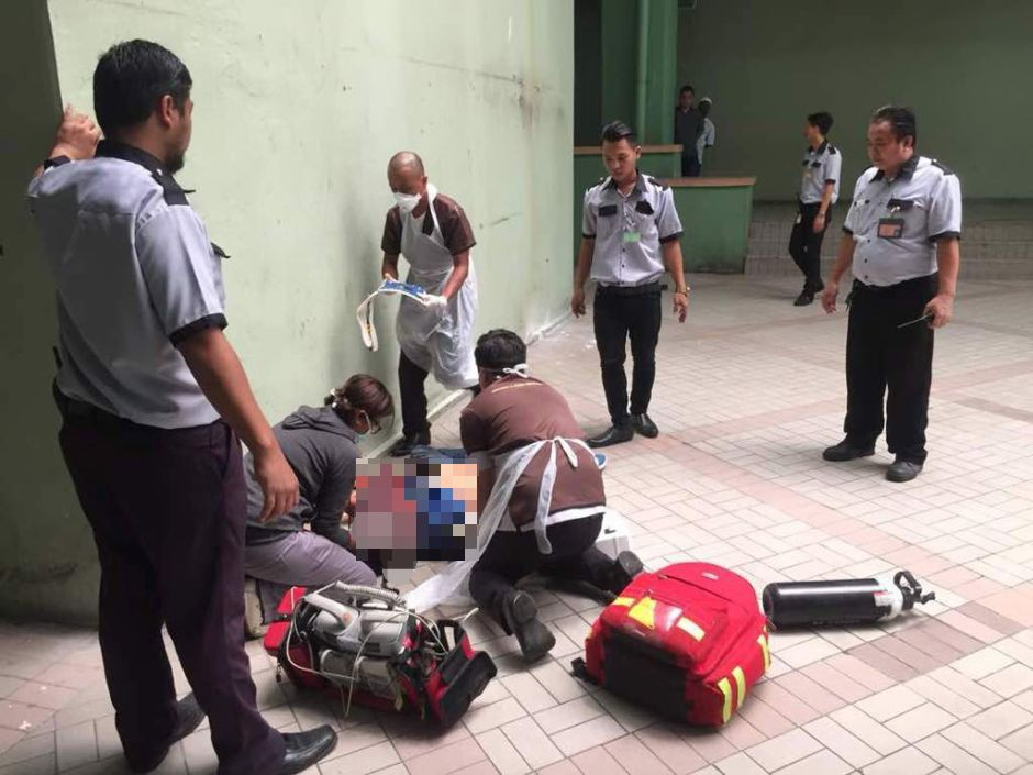 Suspected thief hurt after jumping from third floor of KK building