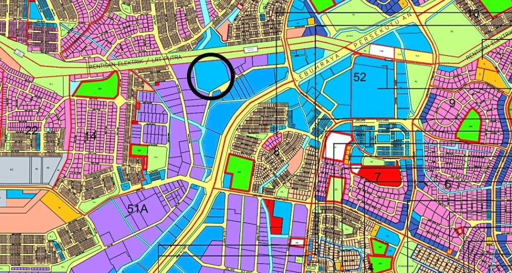 The circled portion Under the Petaling Jaya Local Plan 1 is gazetted as commercial land. Residents from neighbouring areas such as Section 14 are worried there will be development at the land in Section 51A.