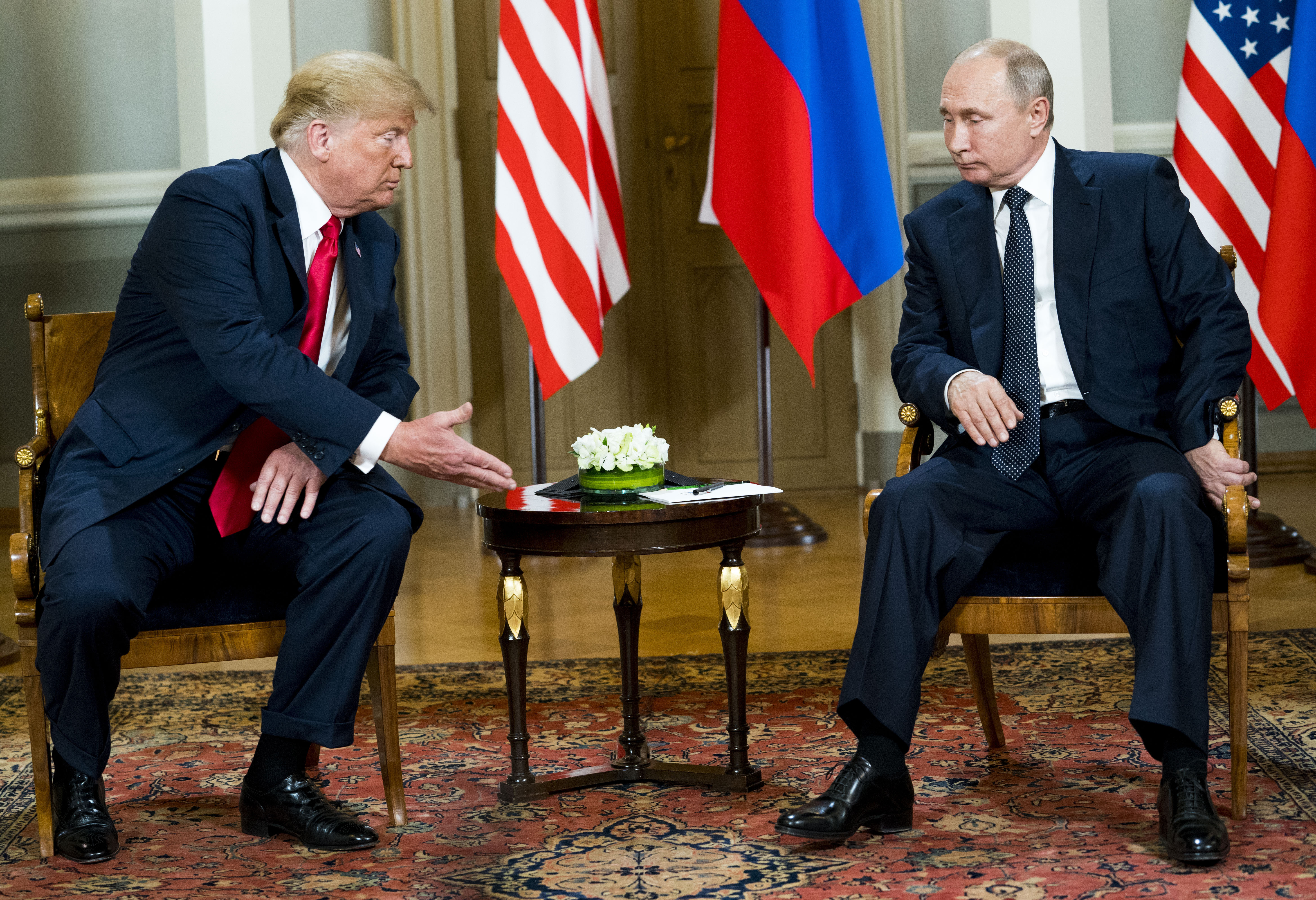 Trump and Putin Shake Hands in Helsinki, Then Meet Behind Closed