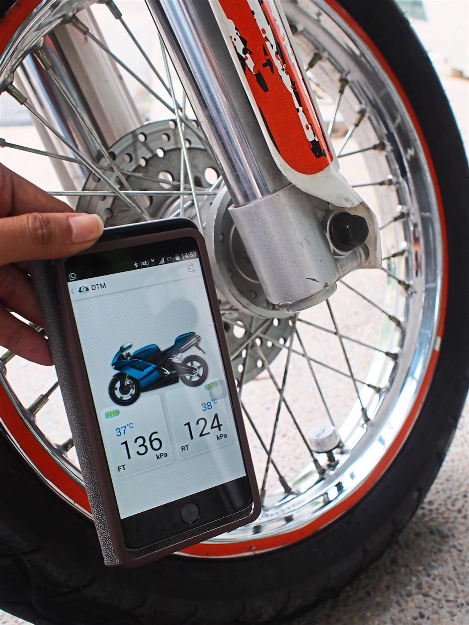 For bikers, too: FOBO Tire can also be used with motorcycles.