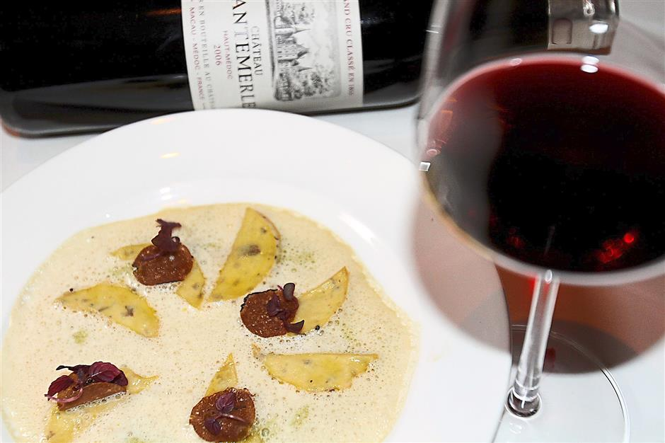 Unique technique: The taste of potato ravioli with white truffle is further enhanced with 2006 Chteau Cantemerle.