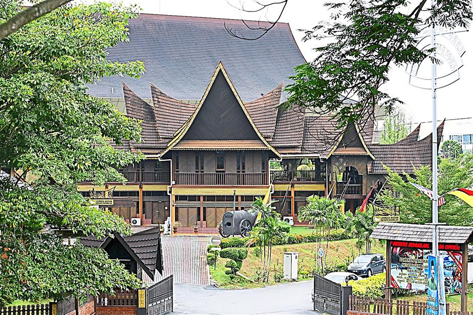 The state Museum along Jalan Sg Ujong offers visitors an insight into the state's colourful history.