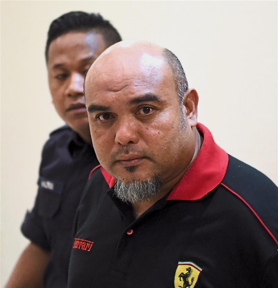 KUANTAN, 14 Dis -- Pengarah syarikat Sheikh Saidey Nor Sheikh Abdul Rahman, 44, dihadapkan ke Mahkamah Sesyen hari ini, atas 26 pertuduhan berkaitan pengubahan wang haram melibatkan transaksi lebih RM1 juta sejak November 2015.Hakim Siti Aminah Ghazali membenarkan permohonan itu dan kes ditetapkan untuk sebutan semula di Kuala Lumpur pada 11 Jan depan.--fotoBERNAMA (2017) HAK CIPTA TERPELIHARA