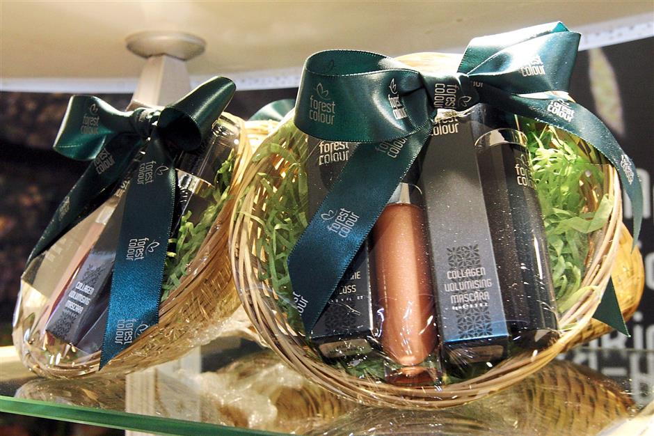 Forest Colour makeup gift baskets.