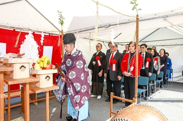 The celebration kicked off with a traditional Shinto blessing ceremony, which was witnessed by the Hamada family, key executives from Fung Group and Heritage Foods Group, Kumamoto government officials and media from around the Asian region.