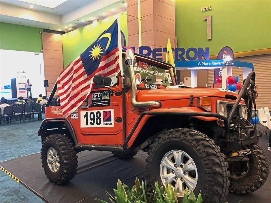 The 3L Toyota Land Cruiser fully kitted out for off road challenges by Petron Malaysia.