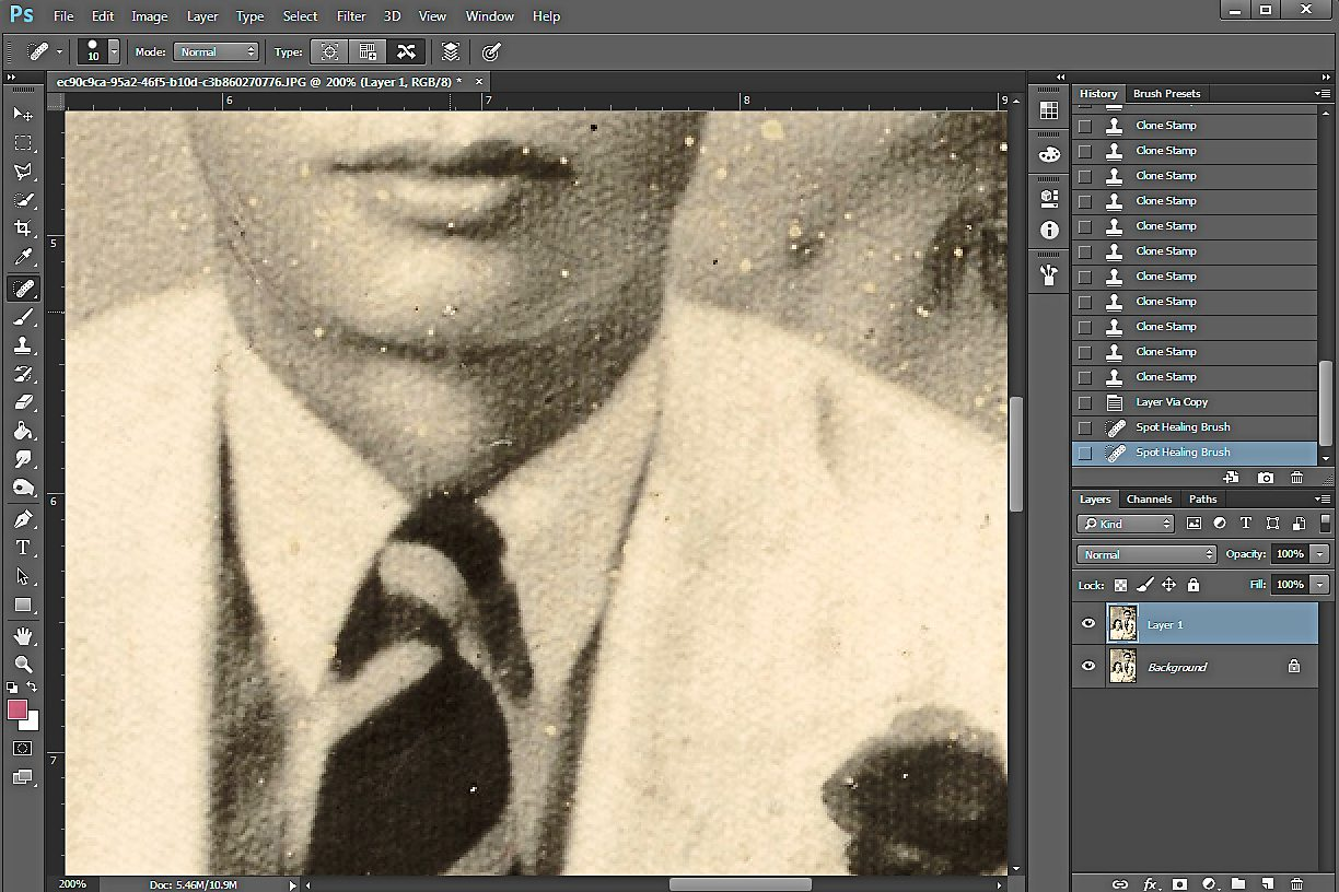 HEAL ME: Photoshops Healing Tool is particularly useful for removing spots on the photo.