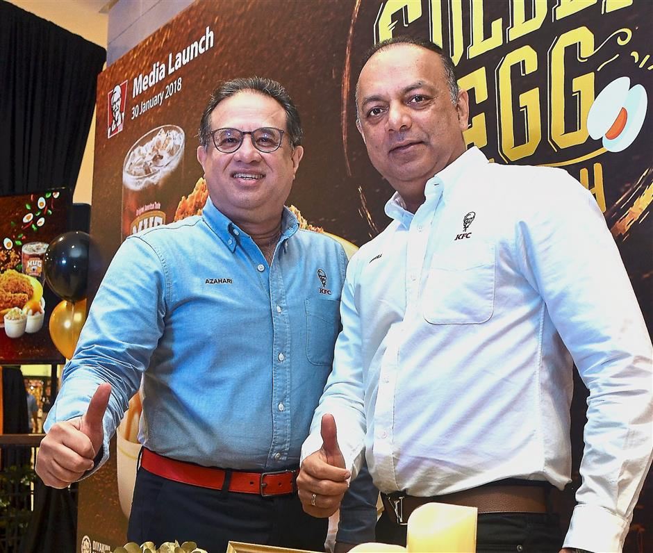 (Below)Mohamed Azahari (left) and Pereyra at the launch of the new dish.