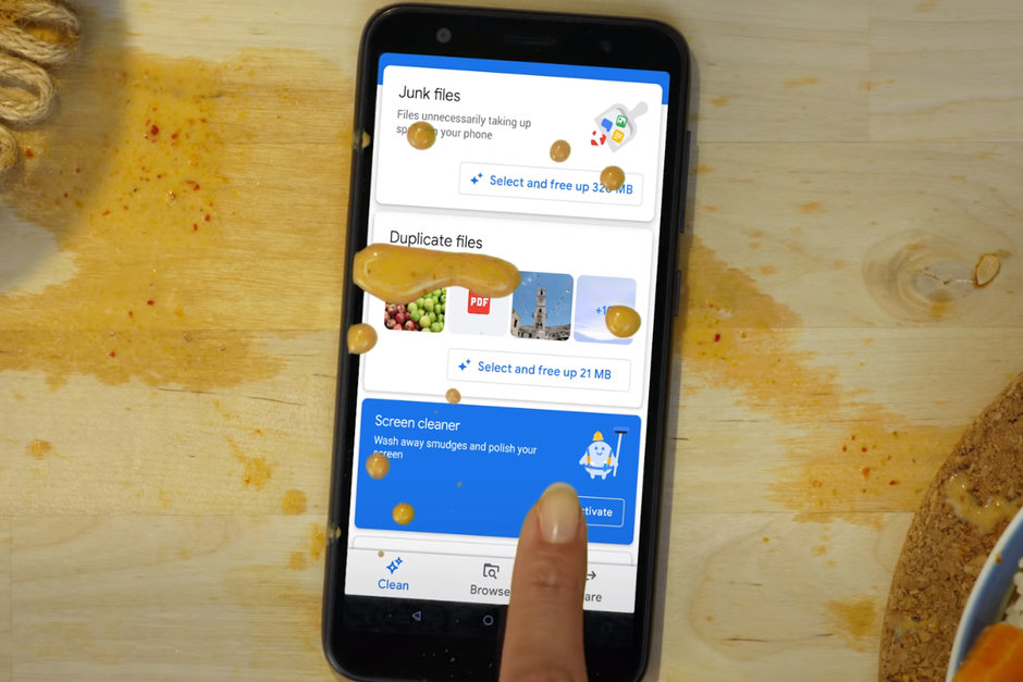 Google's File app now claimed to clean smartphone screen